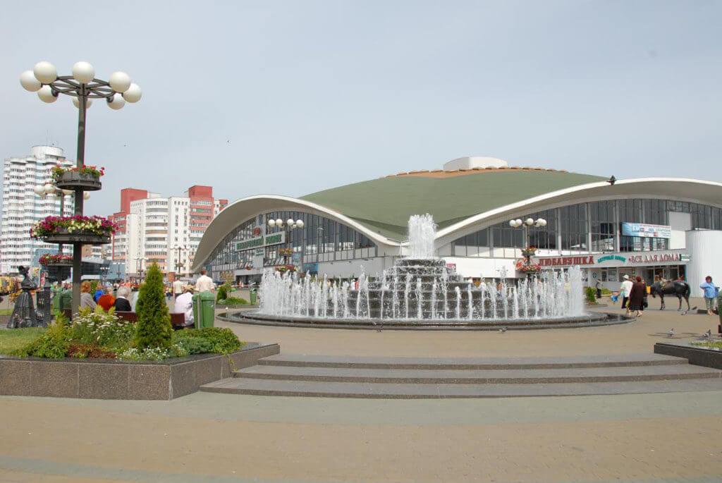 УП «Комаровский рынок» — центральный вход, 2-й этаж, направо